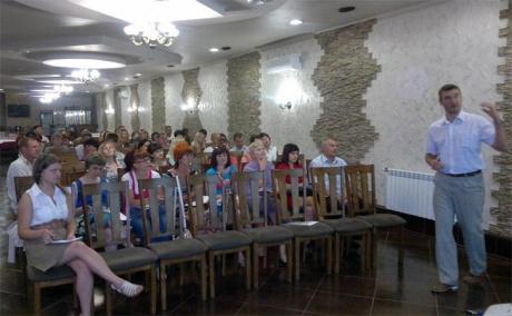В Абакане прошел семинар ЭксПроф для продавцов окон